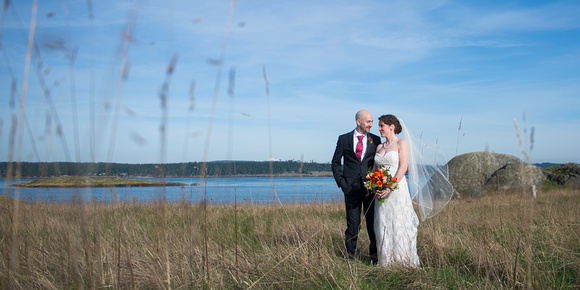 Elly - Chad - friday harbor-san juan island wedding - Michael Curtis Photography